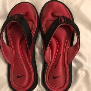 Nike comfort Footbed Cushioned Sandals size 8